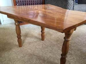 TIMBER COFFEE TABLE Yarraman Toowoomba Surrounds Preview