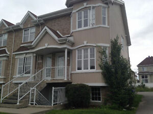 Beautiful 4 1/2 in Ste-Dorothée/Laval - Available September 1st