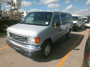 2006 Ford Econoline Wagon XL  Only 126000KM, 12 PASSENGER