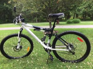 Men's Mountain Bike  (JUST REDUCED)