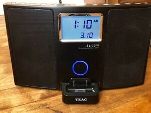 iPod/Tuner/AUX Hi-Fi Table Alarm Clock/Docking Station
