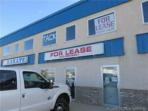 GREAT LOCATION, GREAT LEASE RATE!