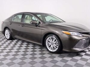 2018 Toyota Camry XLE w/HEATED LEATHER, PANORAMIC ROOF, LANE DEP