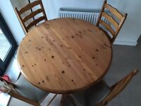 Marks and Spencer 'Lyndhurst' Dining Table w/ 4 Chairs