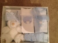 New baby gift set brand new - blue or white
