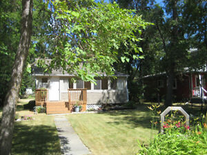 OPEN HOUSE! SUNDAY 3 BEDROOM Cottage For Sale Winnipeg Beach!