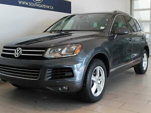 2013 Volkswagen Touareg Execline | Leather | Sunroof | NAV | Bac