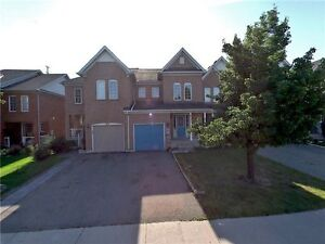 Stunning Freehold Townhome For Sale In Brampton!!
