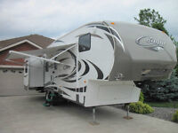 2011 Cougar 318 SAB Fifth Wheel