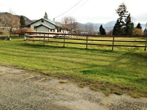 COZY COUNTRY HOME ON 1.5 ACRES...!