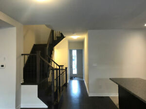 Brand New Gorgeous Townhouse In Aurora For Rent