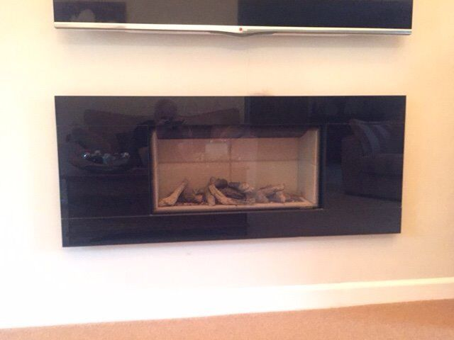 STOVAX GAZCO STUDIO ONE GLASS FRONTED GAS FIRE WITH LOGS
