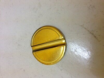 TOKEN SAMPLE--1 TOKEN TO TRY-TELL ME WHAT TYPE--SIZE-BRASS ? CHROME ? GROOVES ?