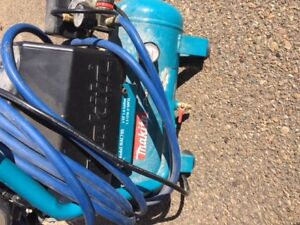 only 200$ for MAKITA MAC700 air compressor
