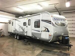 FOREST RIVER SALEM 32BHDS - 2 SLIDES, QUAD BUNKS, LIKE NEW UNIT!