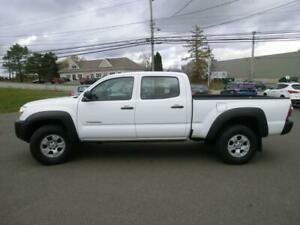 Toyota Tacoma 4x4 V6 double cab no rust clean clean