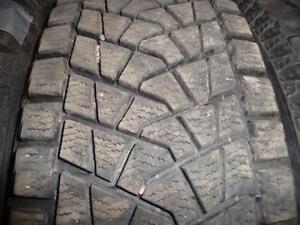 4 pneus d'hiver 235/65/18 Bridgestone Blizzak DM23