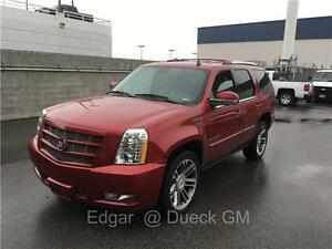 2013 Cadillac Escalade PREMIUM red low km's