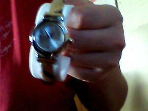 selling a woman's watch Kitchener / Waterloo Kitchener Area image 4