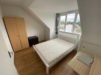 KT5*5 DOUBLE BEDROOM FLAT BERRYLANDS* STUDENTS/SHARERS WELCOME