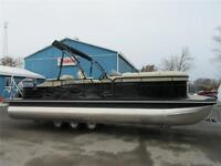 Bennington Pontoon Boat - Tri-Toon with a 150 HP Yamaha 4-Stroke