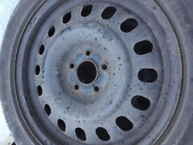 4 winter tyres with steel Wheel Rims, good condition, can be used all year - 215/55 W 17 : Avon ZV5