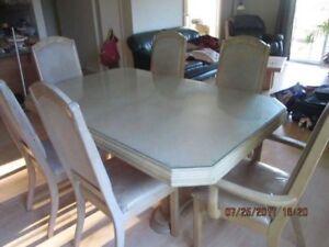 Set de cuisine en chêne blanchi, 6 chaises