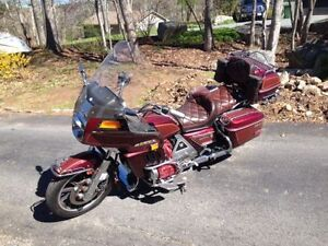1983 Honda Goldwing Aspencade NEW MVI, want gone need space