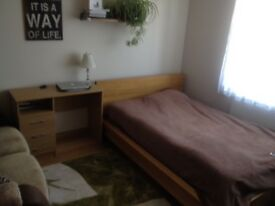 FURNISHED LARGE DOUBLE BEDROOM IN KINGSWOOD