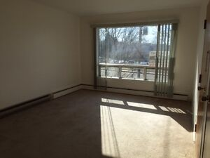 COZY 1 BEDROOM APARTMENT $525