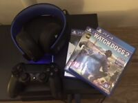 PS4 - Excellent condition - 1 Controllers / 1 Wireless headset / 3 Games