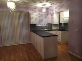 Droylsden, 3 Bed House, beutiful open plan, close to M60, trams, schools and shopping centre.