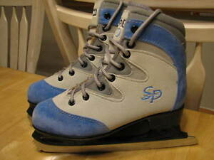 CCM SP 50 FIGURE ICE SKATES