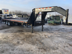 2016 30' 12 Ton Gooseneck Equipment Trailer Excellent Condition