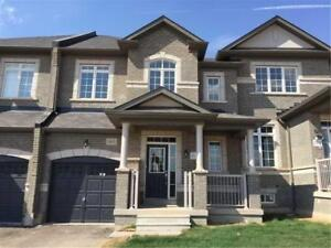 3 BEDROOM 3 WASHROOM TOWNHOUSE FOR RENT IN OAKVILLE