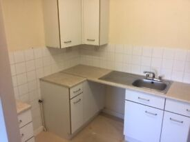** OVER 55 LIVING ** MORLEY ** ONE BED FLAT FIRST FLOOR ** NO BOND OR ADMIN