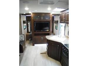 2017 Solaire 240BHS Travel Trailer w Bunkbeds & O/S kitchen Stratford Kitchener Area image 17