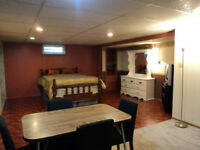 LOOKING FOR 1 FEMALE TO RENT BASEMENT FIX TERM/NIGHTLY/WEEKLY