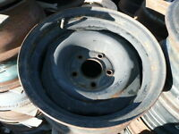 FOUR 15'' 5 BOLT HOLE BLACK STEEL CHEV/GM/ BUICK/OLDS OTHER RIMS