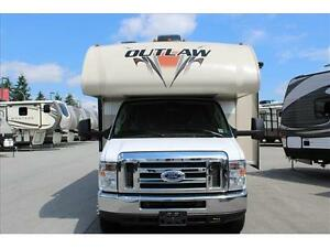 Thor Motor Coach OUTLAW 29H* CLASS C MOTORHOME/TOY HAULER