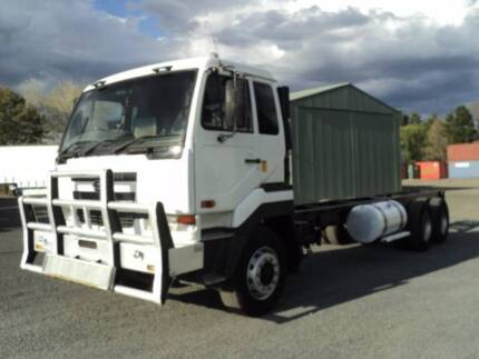 NISSAN UD CWB483 6X4 LONG CAB CHASSIS LOW 220,000 KMS