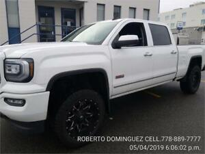 2016 GMC Sierra CREW CAB LIFT ALL-TERRAIN PACKAGE ONLY 59,000 KM