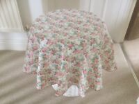 Circular pretty table cloths 10