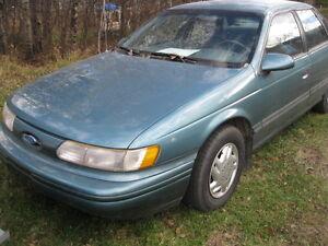 1993 Ford Taurus Sedan
