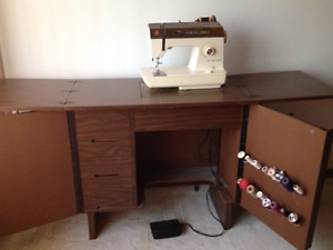 SINGER CONTEMPRA 930 SEWING MACHINE -( SINGER MACHINE A COUDRE )