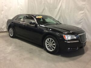 2013 Chrysler 300 Touring-ALL THE OPTIONS!!BEAUTIFUL CONDITION!
