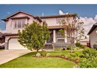 Large unfurnished home in prime Cochrane location,