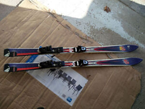 Triaxial Downhill Skis w/C509 Adjustable Bindings
