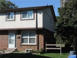HUGE 4 BED CONDO TOWNHOME IN PICKERING!!!! GREAT VALUE!!!!!!