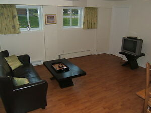 FURNISHED condo apartment - 1 bedroom - wifi, cable TV, monthly West Island Greater Montréal image 3